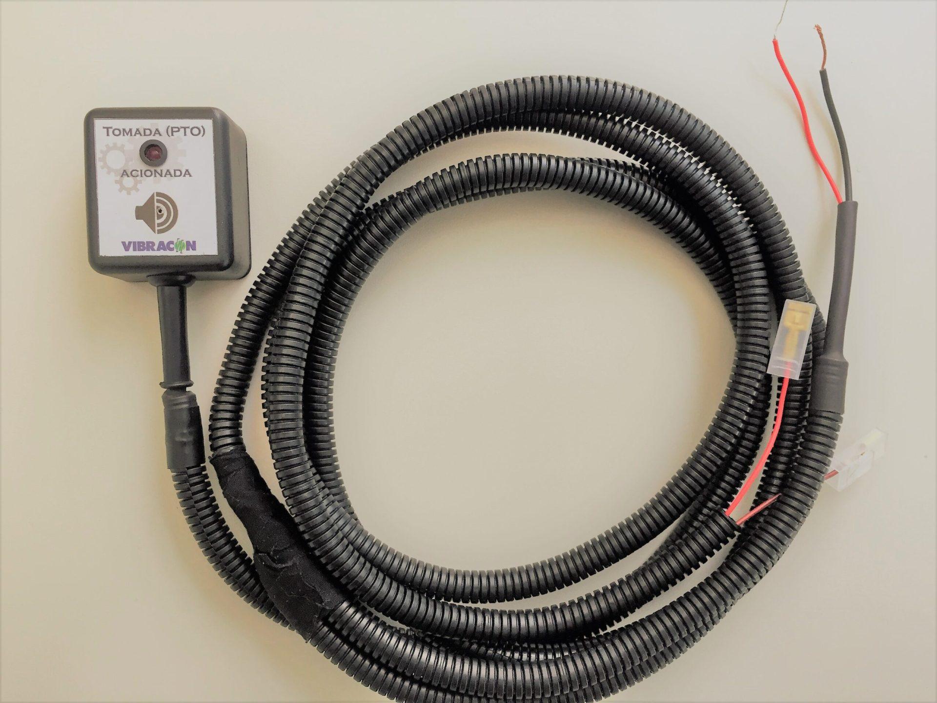 Equipamento-para-monitoramento-do-estado-da-tomada-de-força-de-caminhões-basculante-e-guindauto-resoução563-contran-Vibracon VBC-563-2